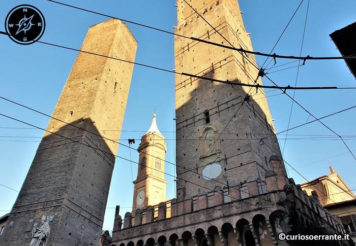Le due torri di Bologna - Asinelli e Garisenda 2