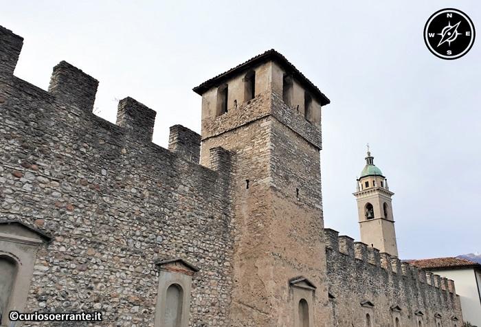 Rovereto - Mura medioevali castrobarcensi con le torri di vedetta