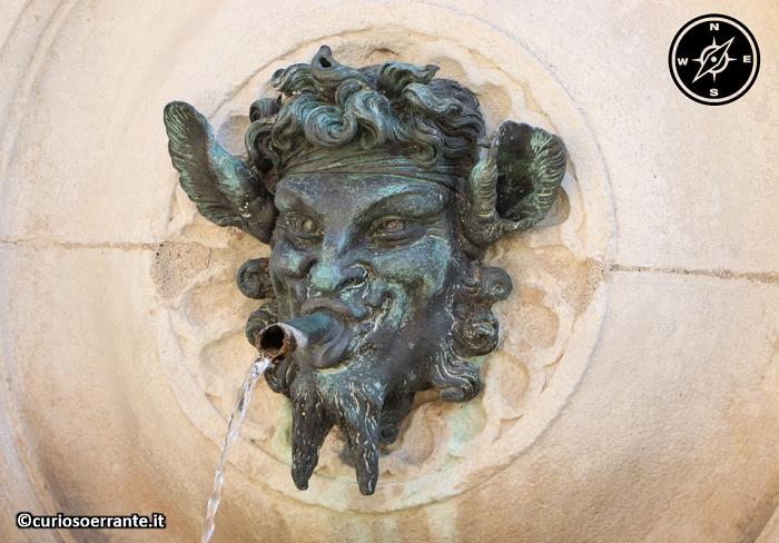 Ancona - La fontana delle tredici cannelle 2