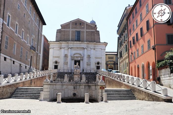 Ancona - Piazza del Plebiscito - Chiesa di San Domenico, scalinata e Statua di Clemente XII