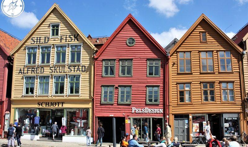 Bergen - Bryggen facciata di edifici sul molo
