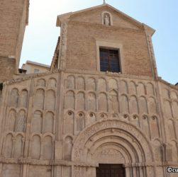 Chiesa di Santa Maria della Piazza ad Ancona - navata centrale interno