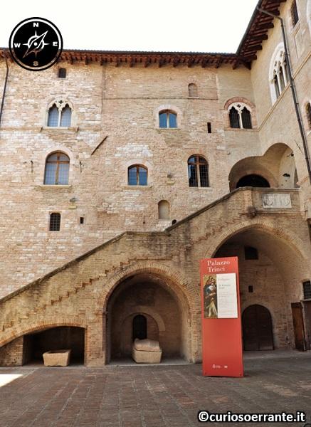 Foligno - Palazzo Trinci - scala gotica