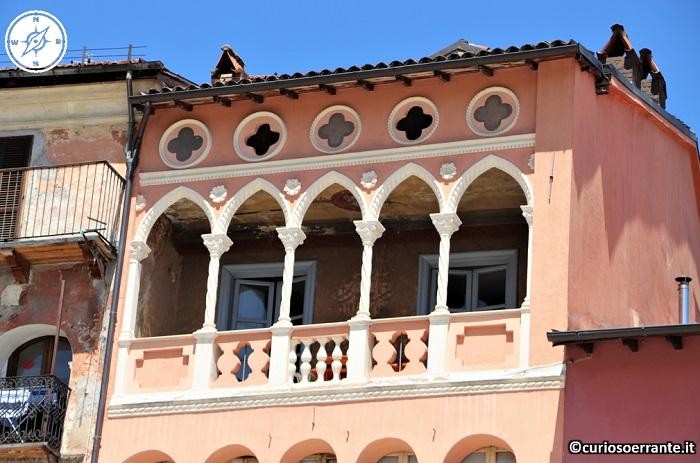 Tagliacozzo - Loggiato della Casa Amicucci in Piazza dell'Obelisco
