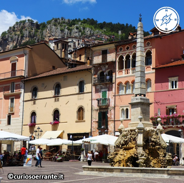 Tagliacozzo - Piazza Obelisco 2
