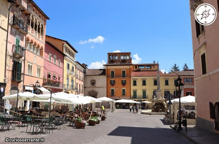 Tagliacozzo - Piazza Obelisco vista da monte