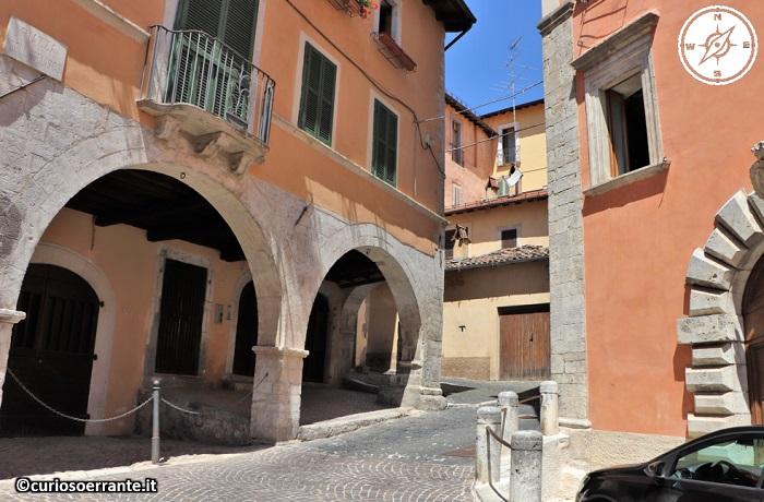 Tagliacozzo - passeggiando lungo il borgo storico