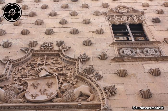 Salamanca - Casa de las conchas particolare