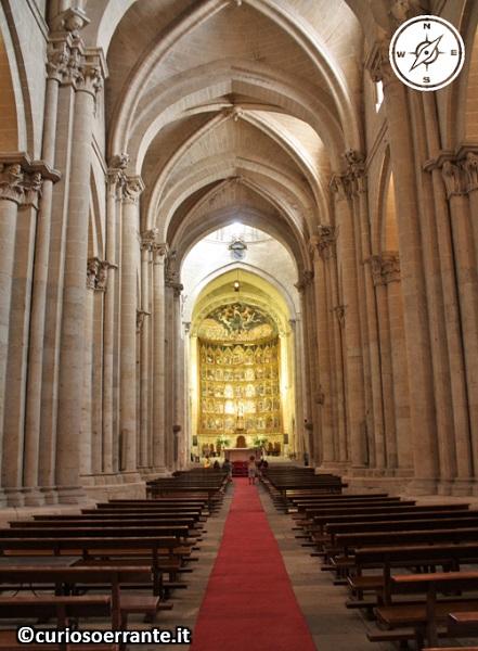 Salamanca - La Cattedrale Vecchia navata