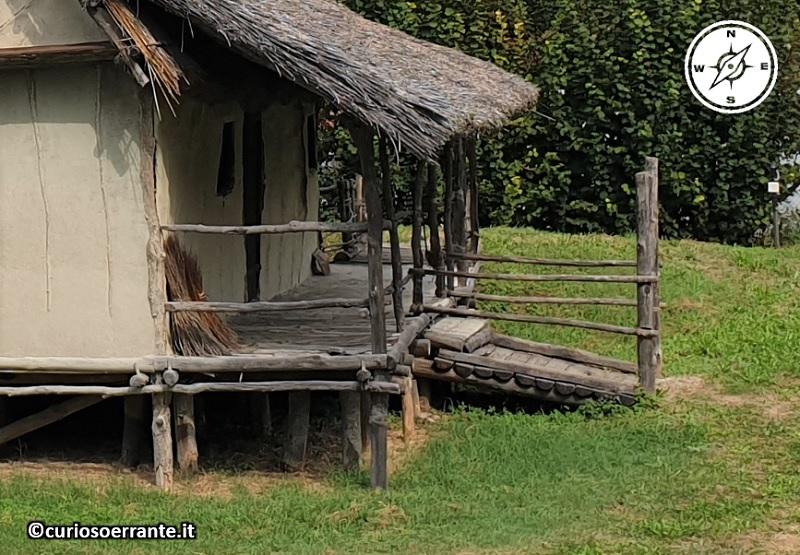Terramara di Montale - particolare delle impalcature in legno delle abitazioni