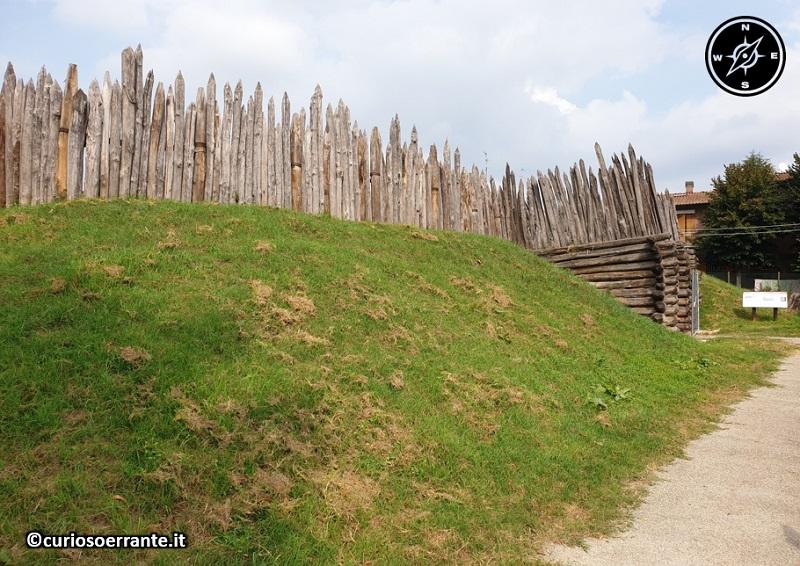 Terramara di Montale - ricostruzione della palizzata a difesa