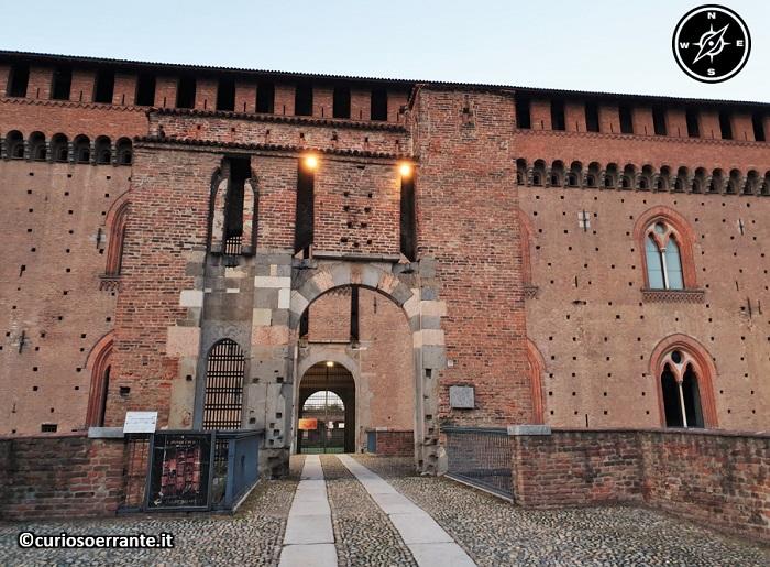 Il Castello Visconteo di Pavia - facciata