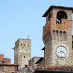 Passignano sul Trasimeno - Torre con orologio