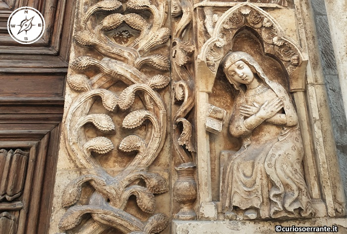 Altamura - particolare scultoreo della cattedrale