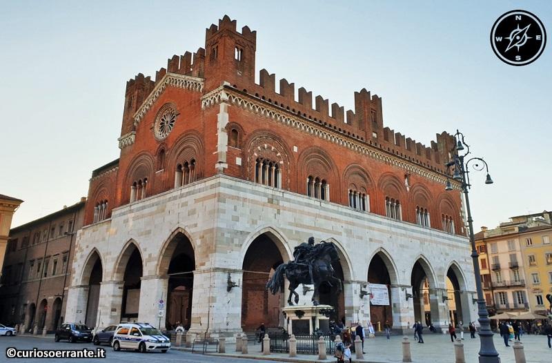 Piacenza - Palazzo gotico