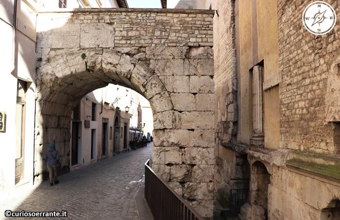 Spoleto - Arco di Druso 2