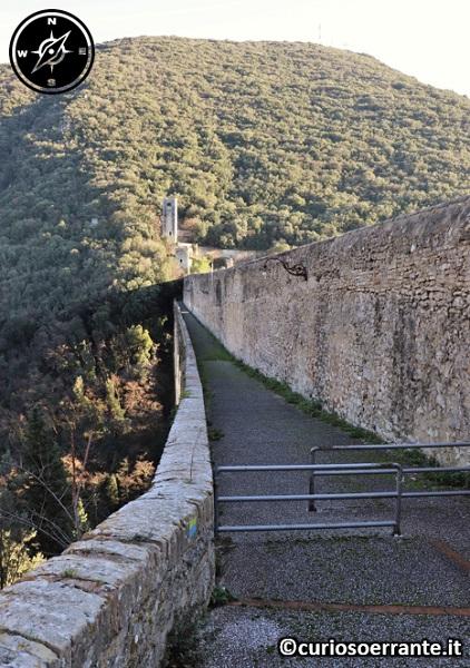 Spoleto - Ponte delle Torri - passaggio pedoni