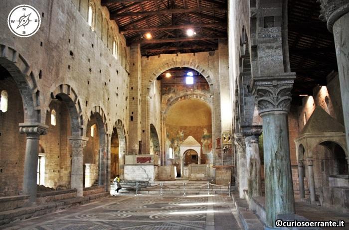 Tuscania - Chiesa di San Pietro - navata centrale