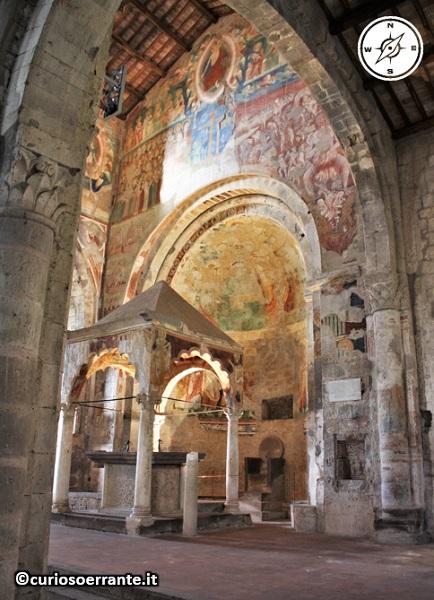 Tuscania - Chiesa di Santa Maria Maggiore - interno