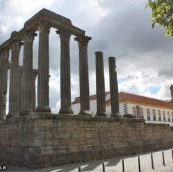 Évora - tempio romano di Diana