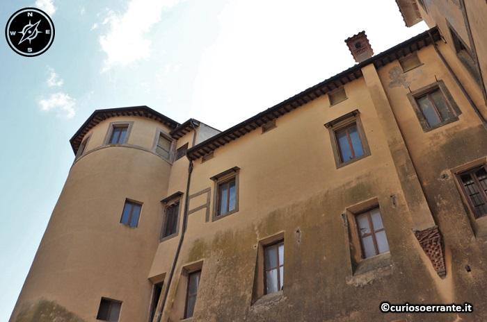 Nemi - Palazzo Ruspoli - lato interno della facciata
