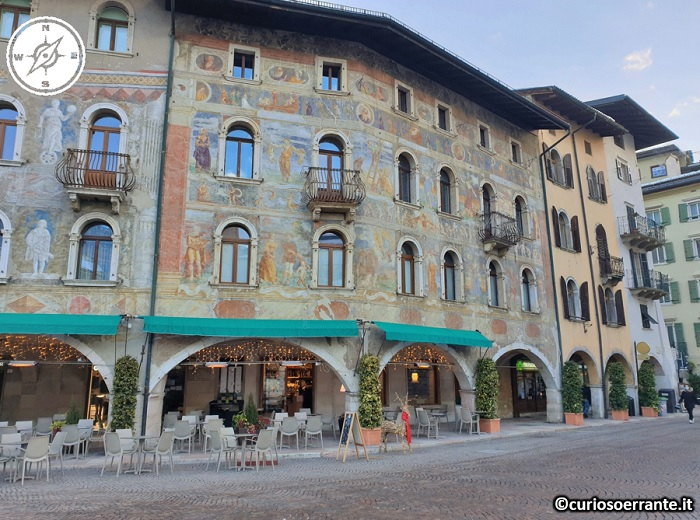 Trento - Piazza del Duomo - Case Cazuffi Rella
