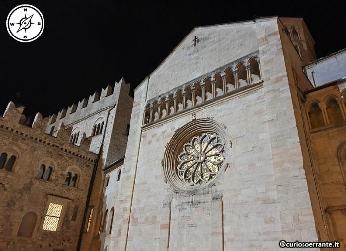 Trento - Piazza del Duomo - transetto della Cattedrale di San Vigilio