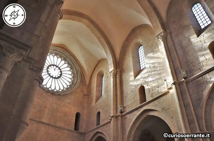 Abbazia di Fossanova - Soffito a volte della navata
