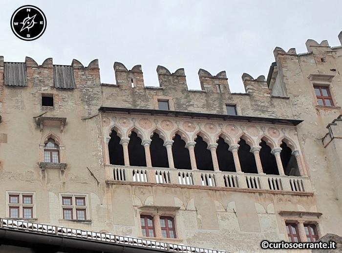 Trento - Castel del Buonconsiglio - loggiato in stile gotico veneziano