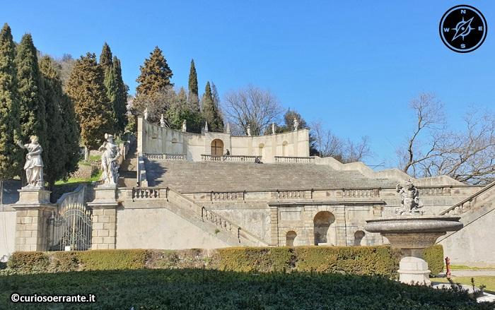 Monselice - La Scalinata laterale di Villa Duodo