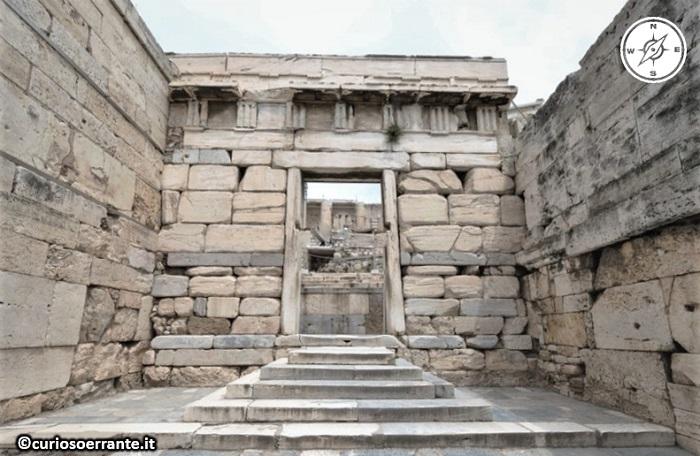 Acropoli di Atene ed il Partenone - Porta Beulé