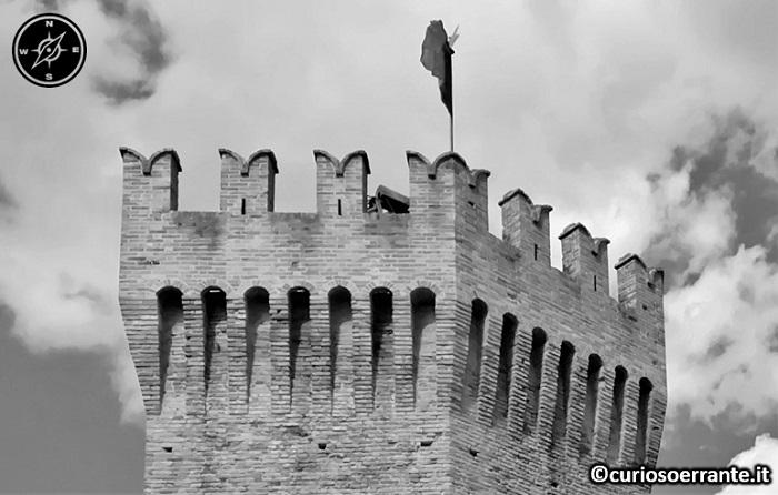 San Benedetto del Tronto - La Torre dei Gualtieri - Merlatura