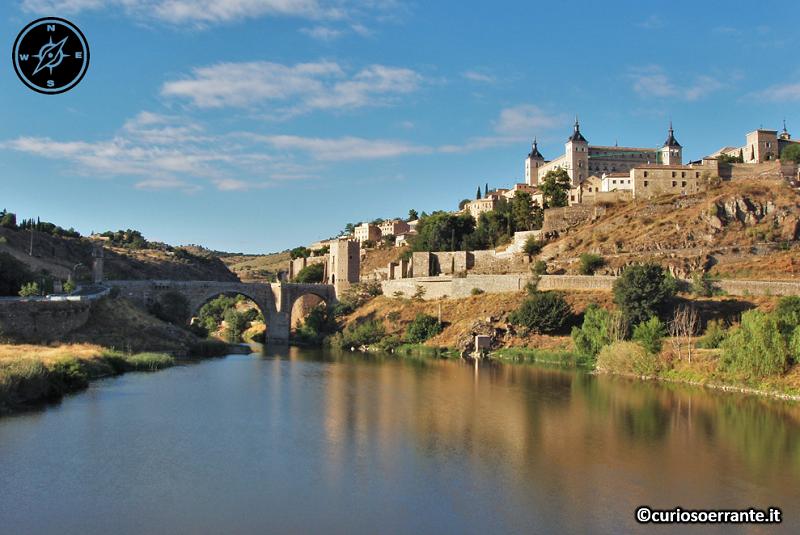 Toledo - Puente de Alcantara sul fiume Tago
