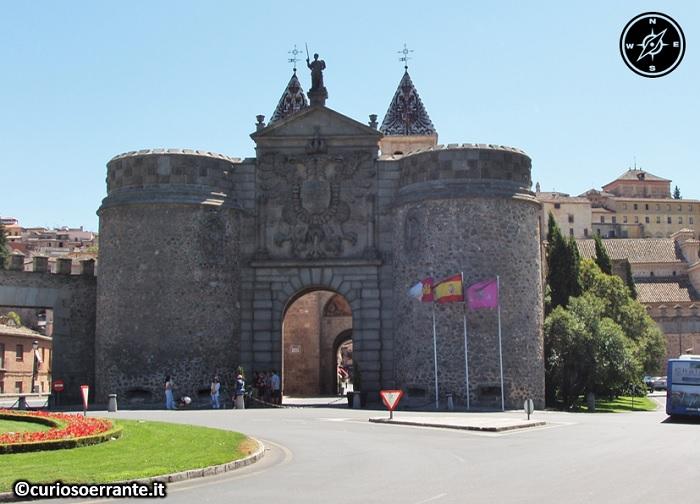 Toledo - Puerta nuova de Bisagra - lato esterno