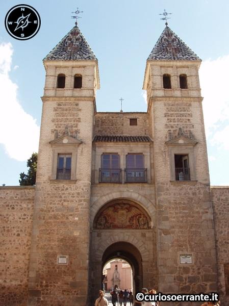 Toledo - Puerta nuova de Bisagra - lato interno